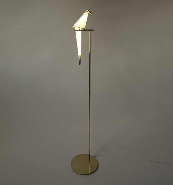 folded-paper-and-brass-lamp-perch-light-by-umut-yamac6