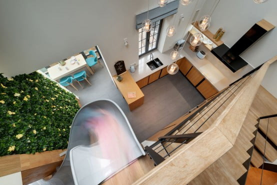 Awesome indoor slide:modern apartment