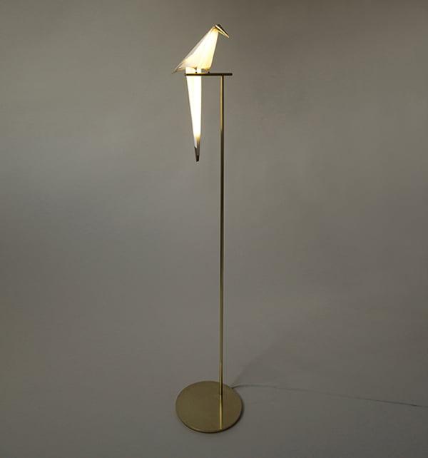 folded-paper-and-brass-lamp-perch-light-by-umut-yamac6