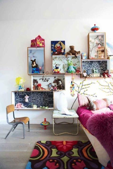recycled-shelf-kids-room