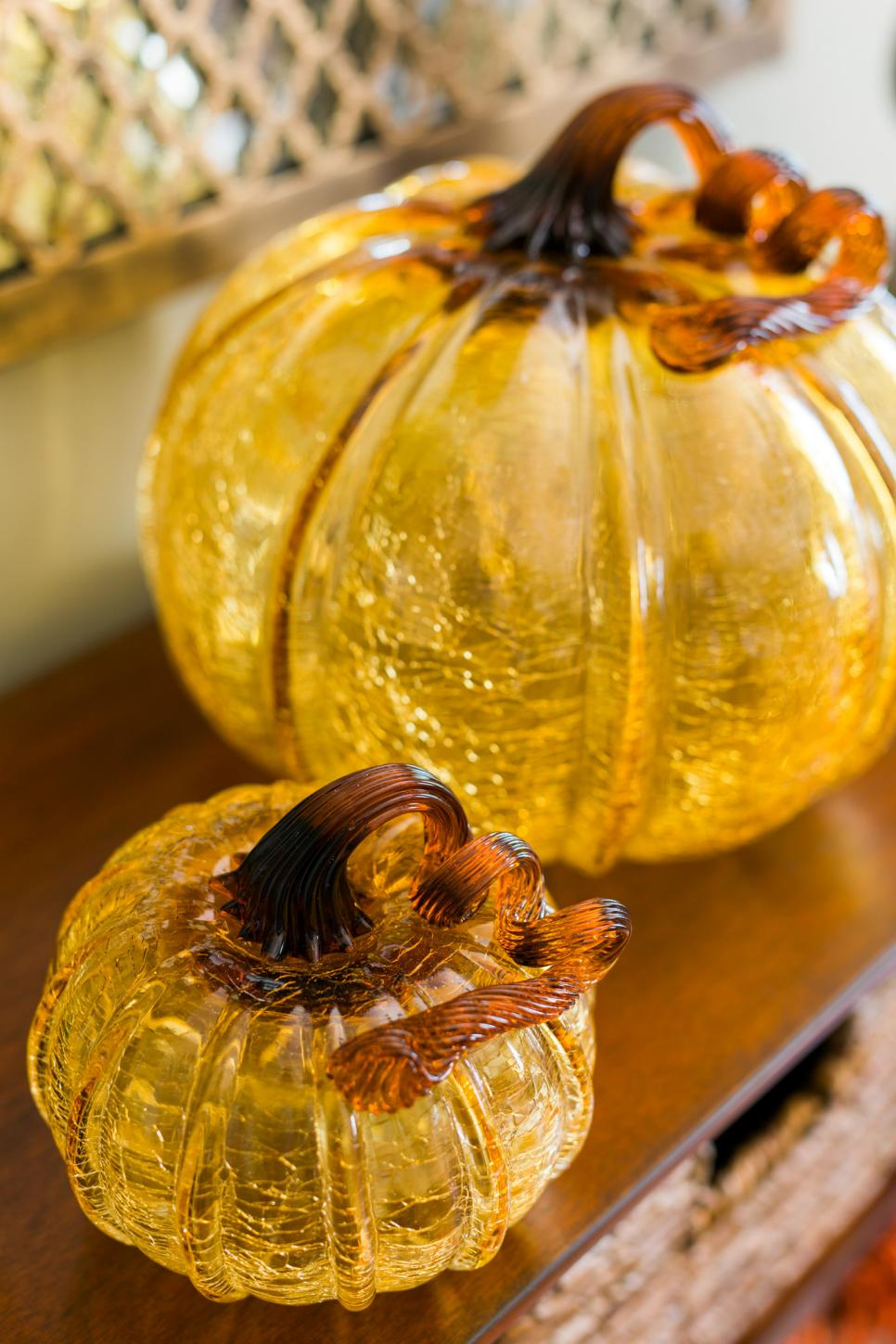 Glass Pumpkin Details for your Fall