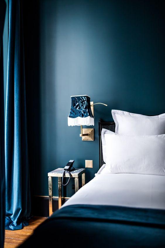 Deep blue bedroom idea