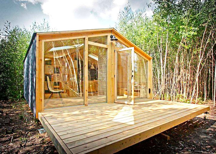 russian-tiny-home-build-in-a-day
