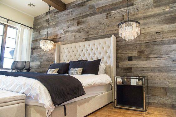 Wood palette wall
